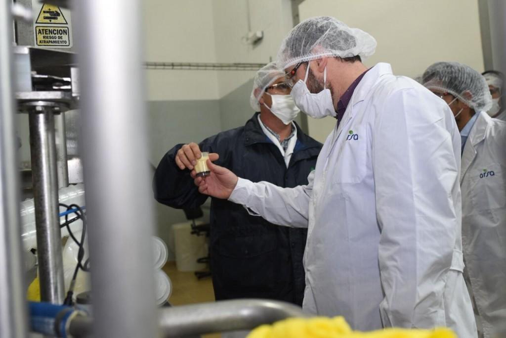 Lincoln: El intendente Serenal visitó la planta de Alimentos Refrigerados en Arenaza