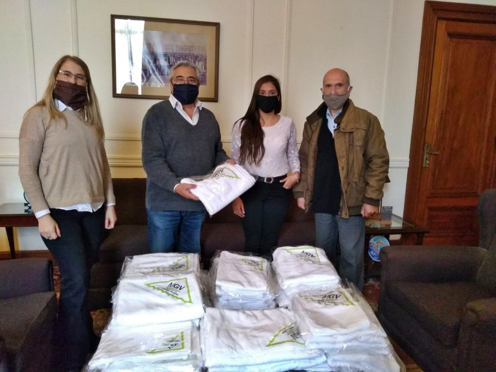 Gral. Villegas: ´Mujeres Líderes´ fabrican toallas, camisolines y cofias para el Hospital Municipal