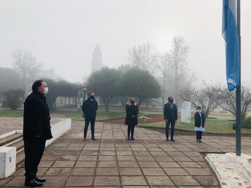 Las Heras: El intendente interino Sartori encabezó acto de la promesa de lealtad a la Bandera