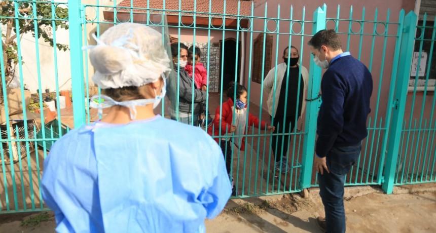 E. Echeverría: Fernando Gray en testeo de Covid-19 en barrios