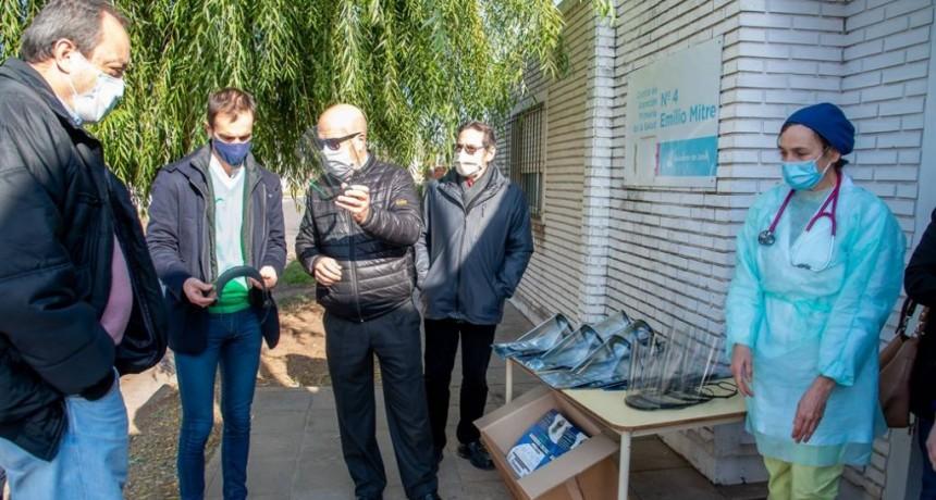 Junín: Trabajadores municipales de los CAPs recibieron máscaras de protección