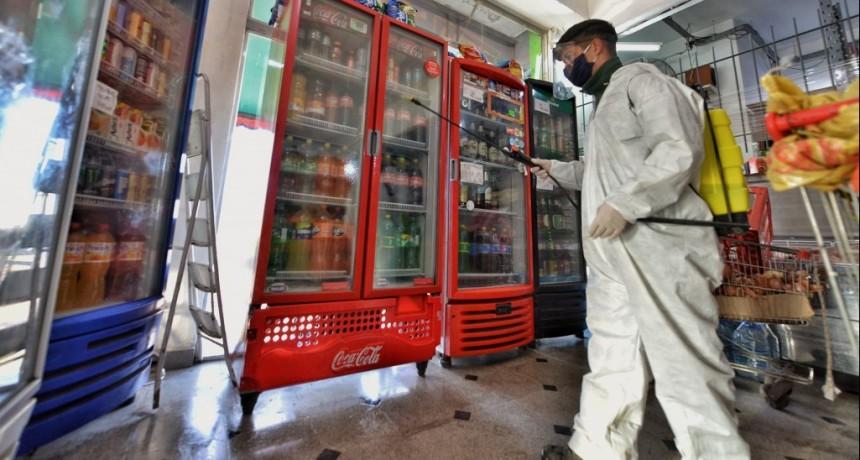 E. Echeverría: Desinfección y fumigación en barrios del distrito