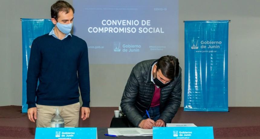 Junín: Petrecca firmó convenio para controlar a viajantes o proveedores que vienen de zonas de riesgo