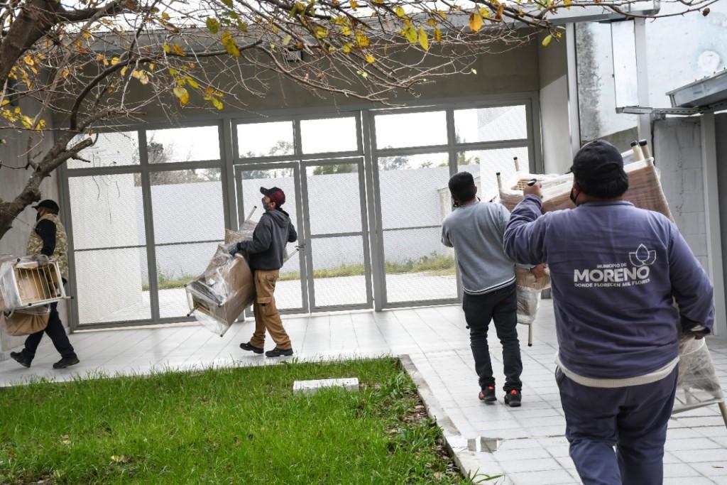 Moreno: El municipio completó la entrega de mobiliarios para 54 escuelas públicas
