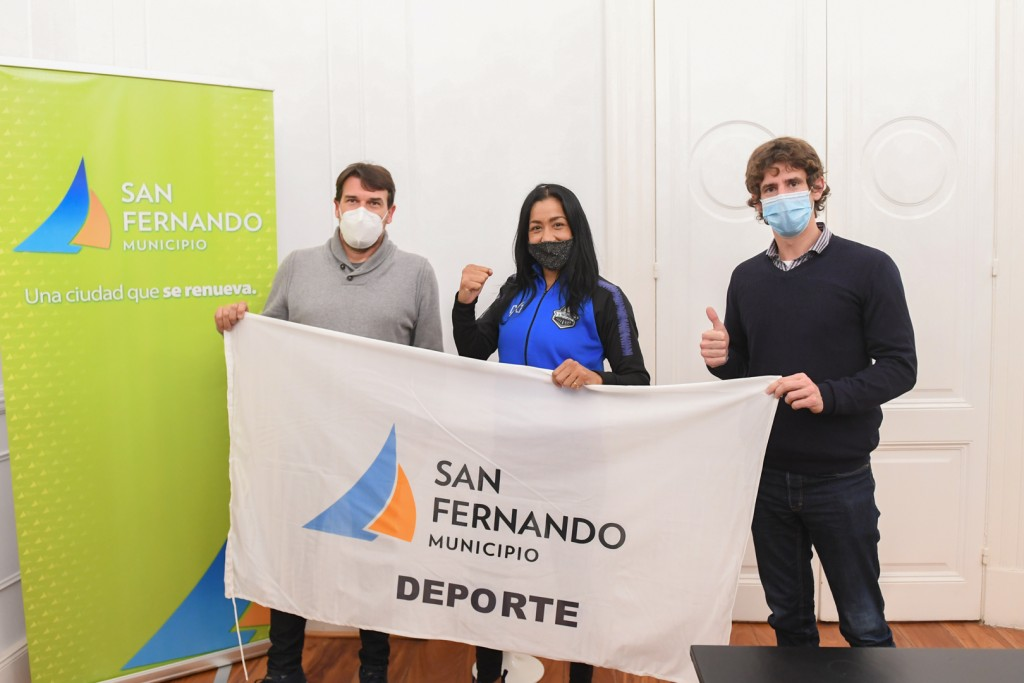 "San Fernando: Juan Andreotti recibió a Érica ""Pantera"" Farías antes de viajar a Las Vegas, donde disputará el título mundial de boxeo"
