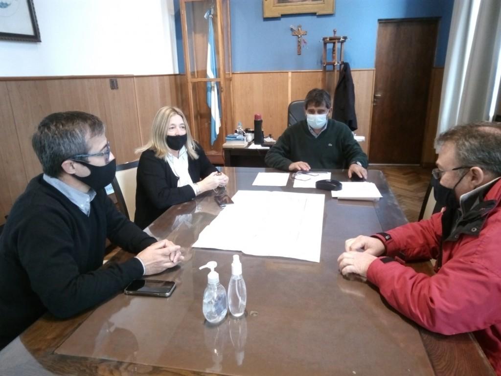Lobería: El Intendente firmó el convenio para la construcción de un jardín maternal