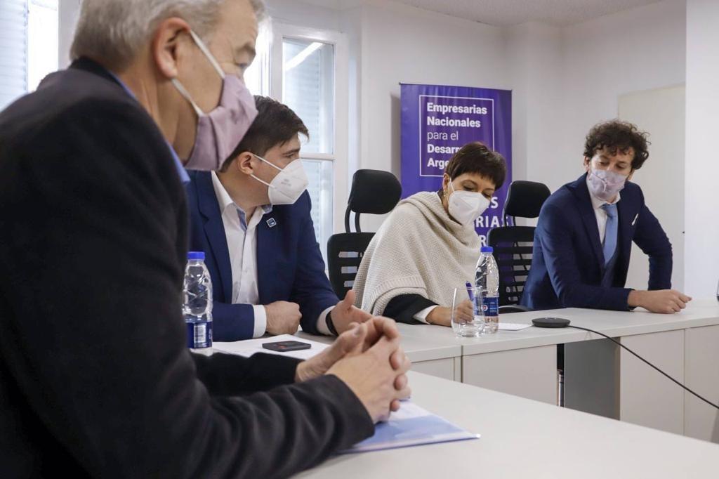 Quilmes: Mayra se reunió con autoridades de la asociación de empresarios y empresarias para el desarrollo argentino