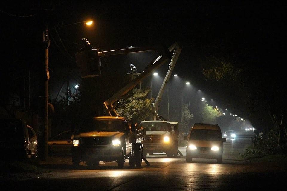 Moreno: Avanza la instalación de nuevos equipos led y reparación del alumbrado público