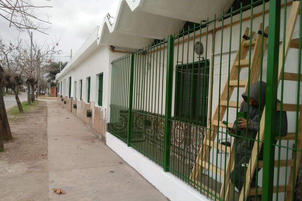 """Leila Rodríguez: """"En Moreno, la mitad de los establecimientos educativos no están en condiciones de funcionar"""""""