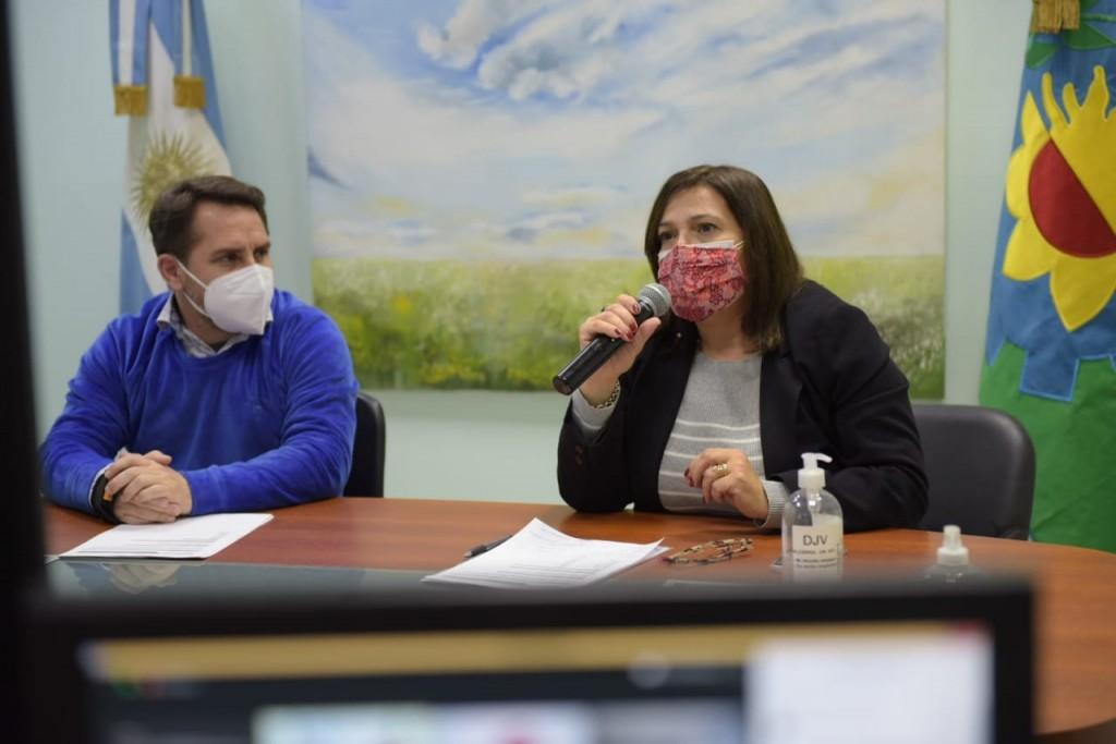 Ituzaingó: Pablo Descalzo y Andrea Musante presentaron créditos para el sector gastronómico