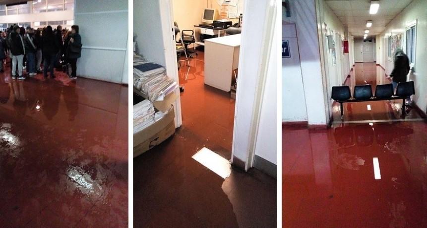 Alte. Brown: Los pasillos del Hospital Oñativia inundados por residuos cloacales