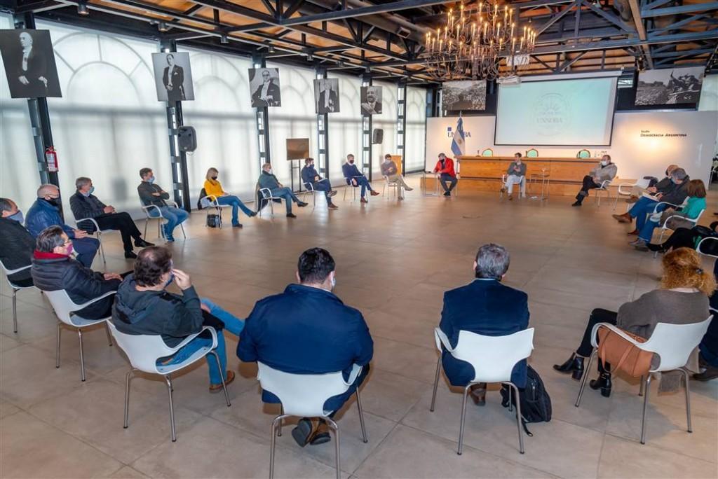Junín: El intendente Petrecca y el Rector Tamarit encabezaron la reunión de la Mesa Económica en la UNNOBA