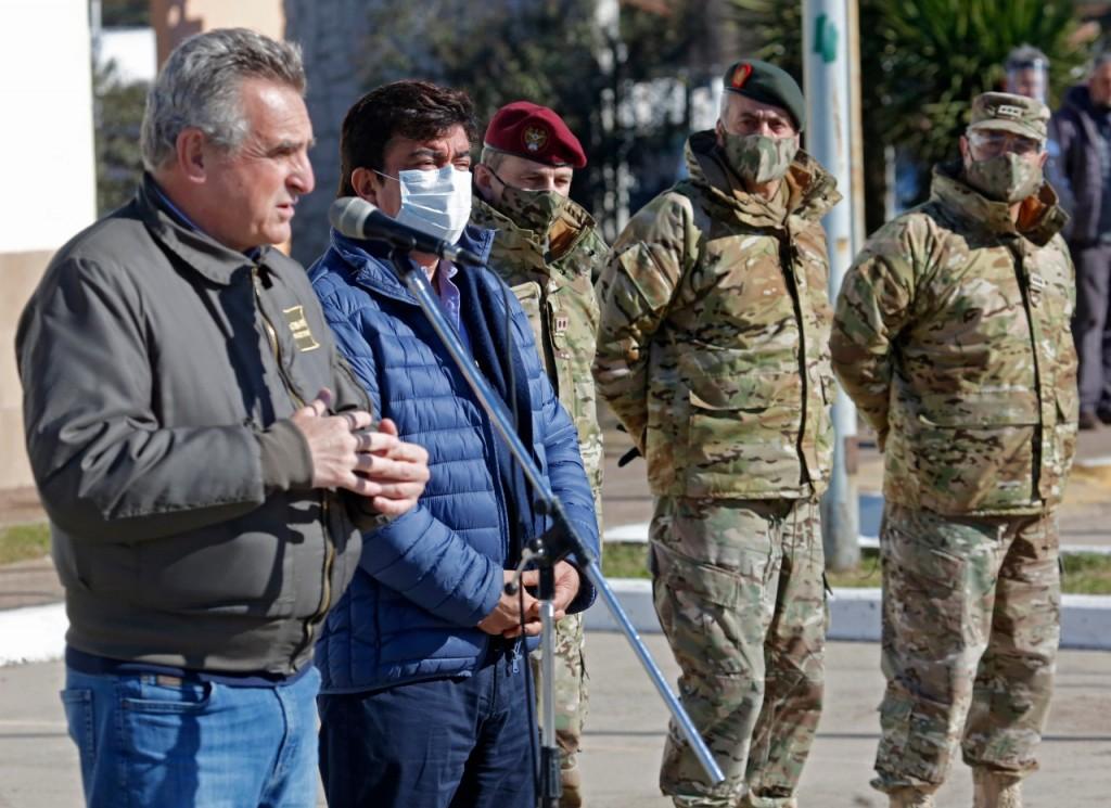 """Espinoza: """"El ejército argentino es la columna fundamental de la contención y ayuda alimentaria para las familias"""""""