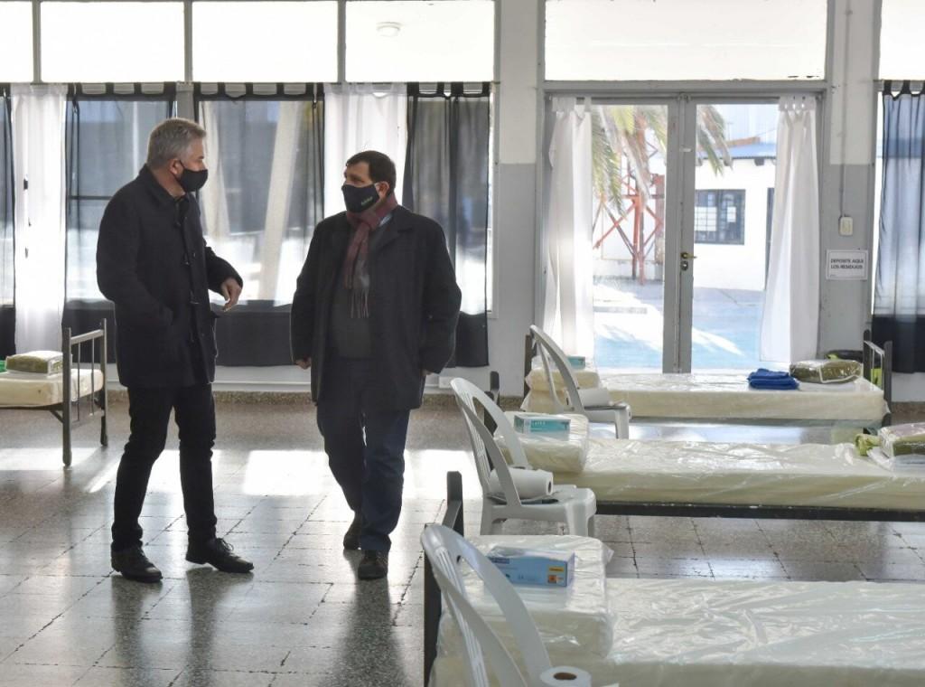 Bahía Blanca: El intendente recorrió la Unidad de Cuidados Mínimos Ambulatorios en el Club Liniers
