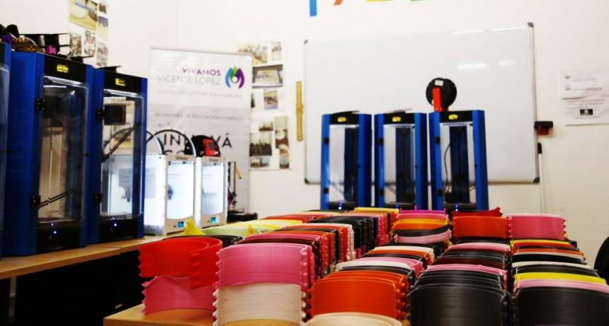V. López: El Laboratorio de Fabricación Digital lleva entregadas más de 3000 mascarillas reutilizables