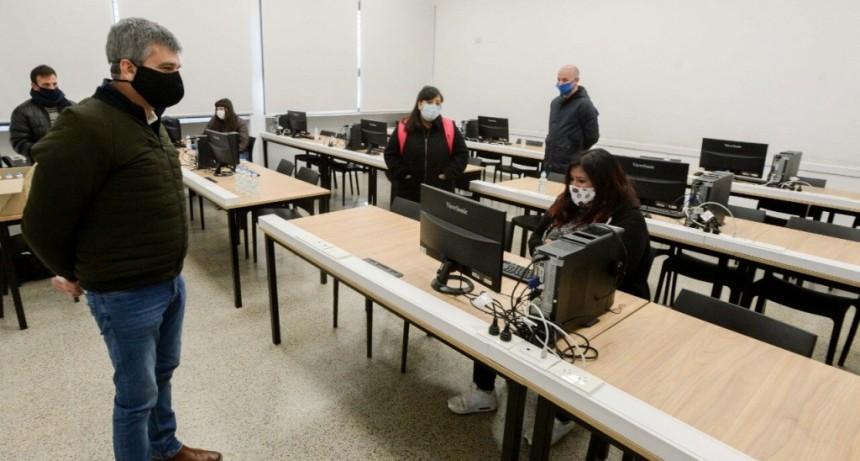 Hurlingham: Zabaleta visitó el Centro de Telemedicina de Covid que funcionará en la UNHur