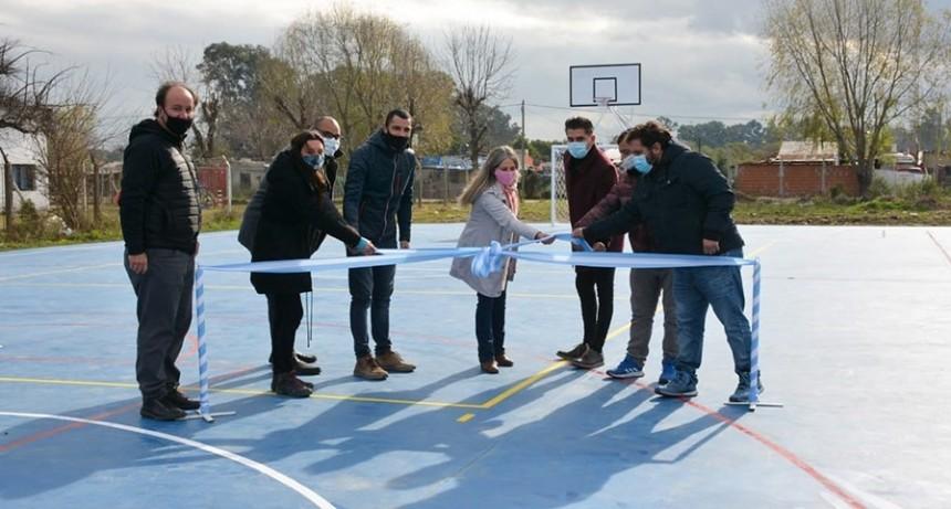 Gral. Rodríguez: Mauro García inauguró el 3° playón deportivo, esta vez en la Escuela Primaria 18
