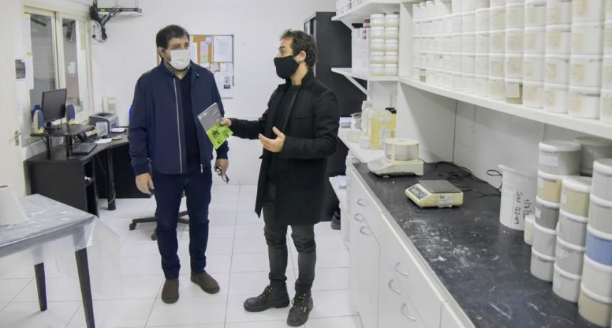 San Martín: Fernando Moreira visitó la empresa Vadex que se reconvirtió durante la pandemia