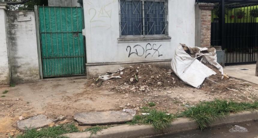 E. Echeverría: EDESUR infringe las ordenanzas al no pedir autorización para romper las veredas