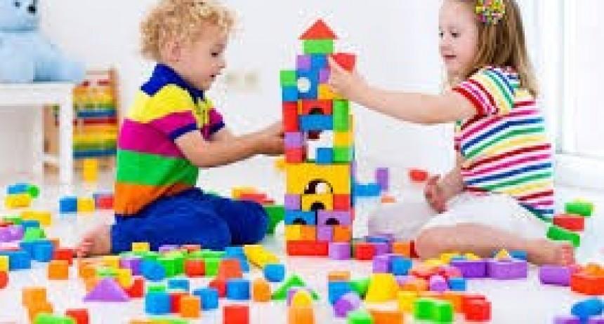 Suipacha: La 2° edición del Abrazo Solidario del Deporte recibe juguetes para el Día del Niño