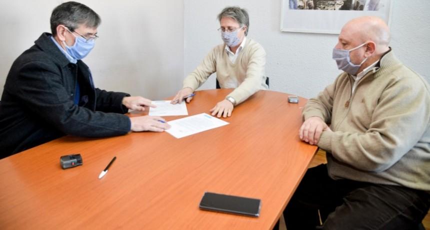 """Harispe: """"Esta gestión pone en manos de la cooperativa, la obra que asegura el agua potable para todo Lezama"""""""