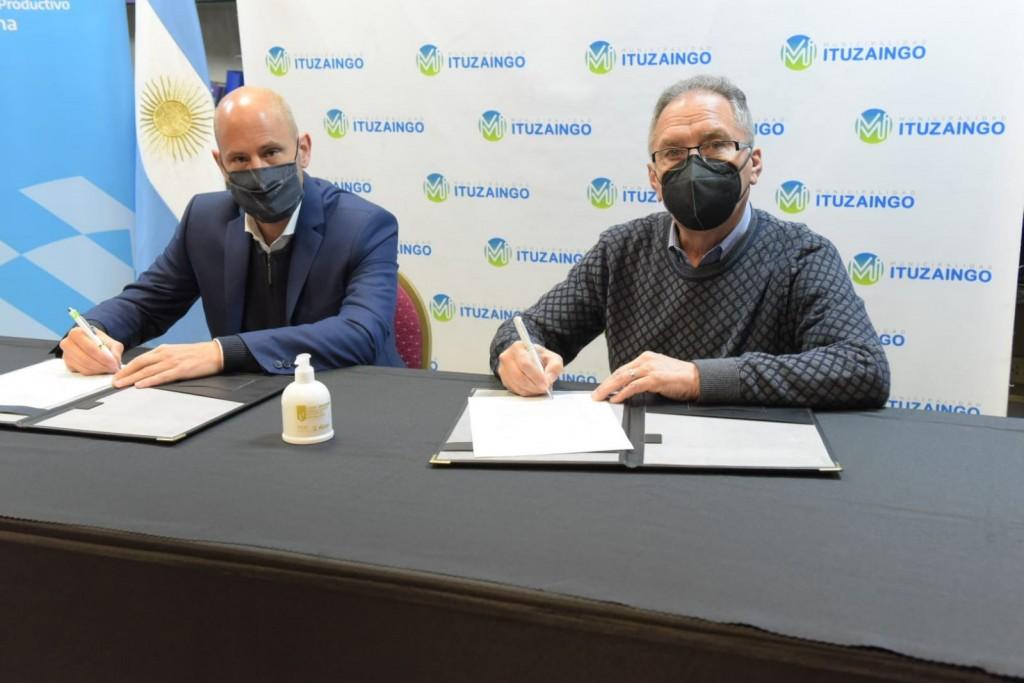 """Ituzaingó: Merediz y Descalzo firmaron una carta de acuerdo para la adhesión al programa """"Enlace Municipal PYME"""""""