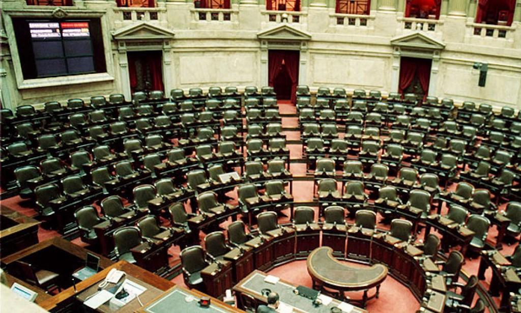 La provincia elegirá 35 diputados nacionales. Los precandidatos de las 11 listas