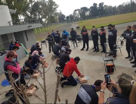 Pergamino: Deportes y Defensa Civil llevan adelante un programa de capacitación en emergencias médicas