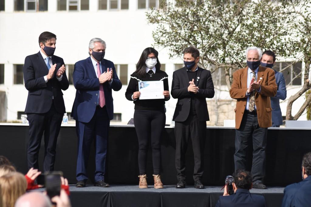 San Vicente: El Presidente Fernández anunció el Programa de Becas Estratégicas Manuel Belgrano