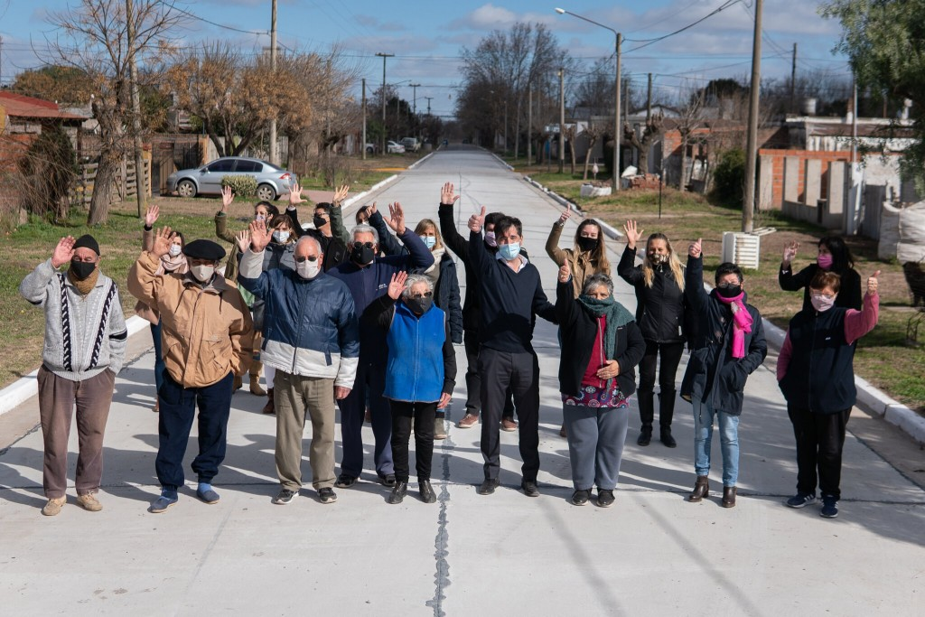 Gral. Viamonte: Franco junto a vecinos inauguró el pavimento del barrio Matadero