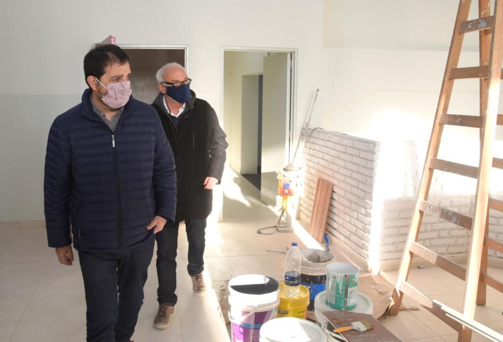 San Martín: Fernando Moreira visitó las obras de remodelación integral del Centro de Salud de Villa Maipú