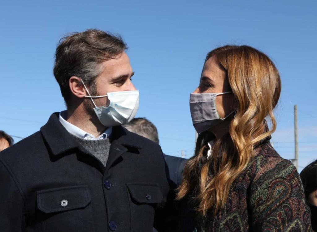 Pilar: Achával acompañó a Fernández y Kicillof en el primer acto del Gobierno en campaña