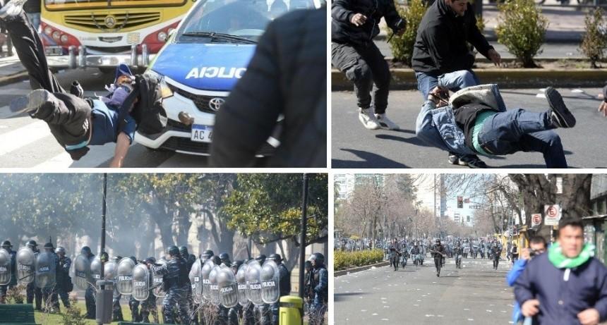 La Plata: Brutal represión de la policía de Vidal a trabajadores de Astillero Río Santiago
