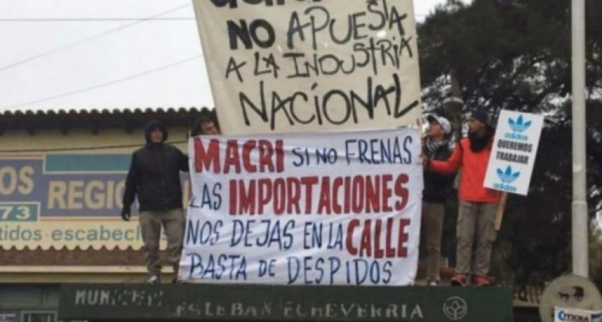 Producto de la crisis, cerraron fábricas de zapatillas en Avellaneda y E. Echeverría