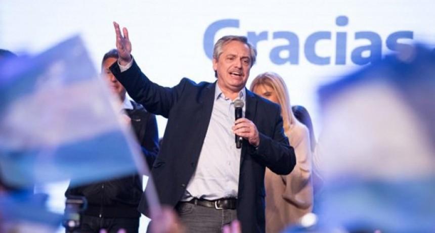 Fernández aplastó a Macri por más de 15 puntos y quedó a un paso de ser el próximo presidente