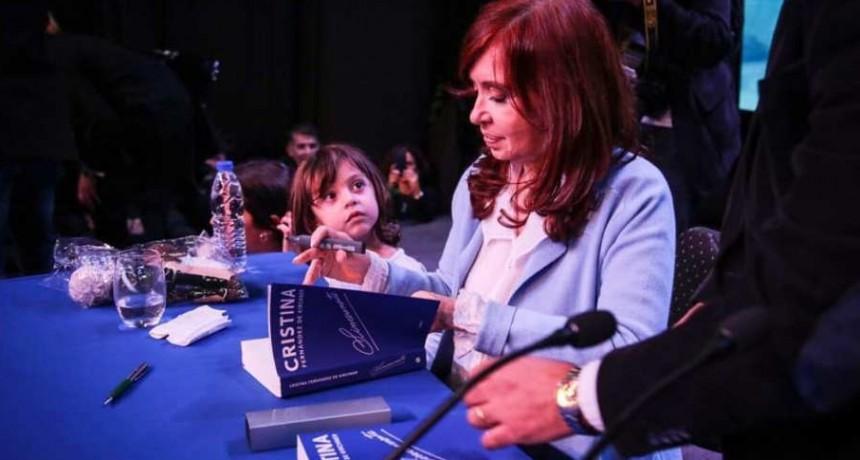 """Cristina vuelve a La Plata el sábado 31/8 para presentar el libro """"Sinceramente"""""""