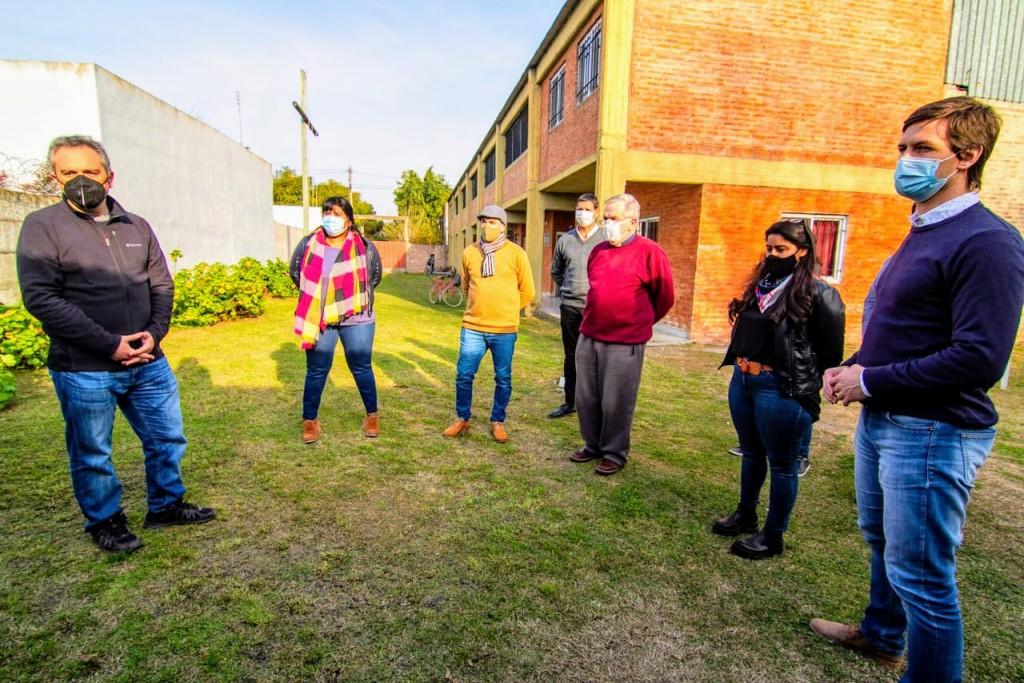 """San Vicente: Mantegazza recibió al Ministro Larroque y anunciaron """"mejoras habitacionales para más de 100 familias"""""""