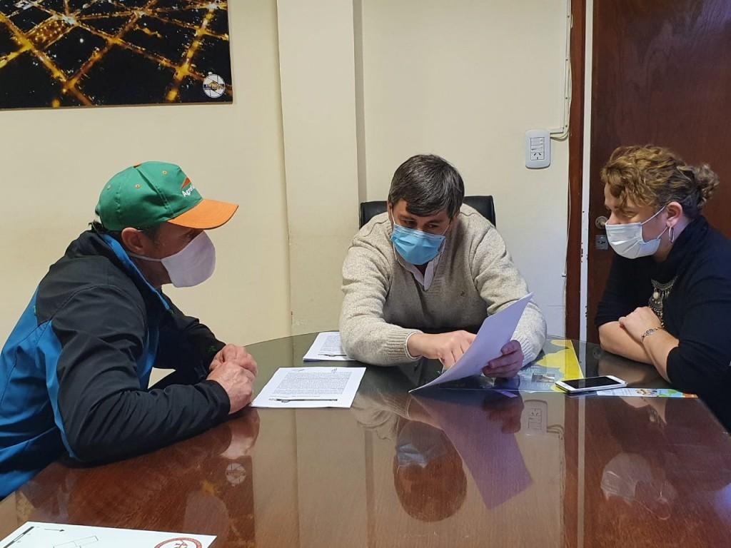 Henderson: Suscriben el contrato de la obra de techado del hospedaje de la Escuela de Educación Secundaria Agraria