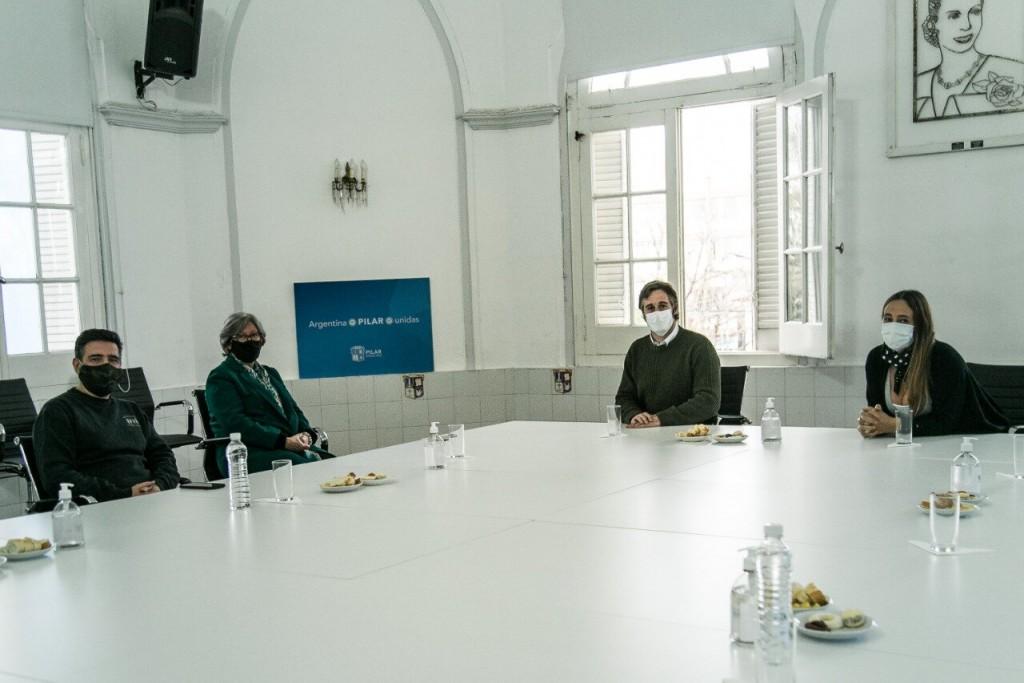 Pilar: Achával se reunió con la Cámara de Comercio e Industria