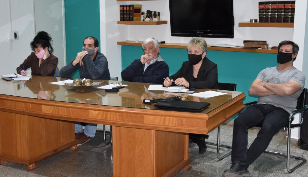 Tres Lomas: Carrera encabezó videoconferencia con el Ministerio de Educación