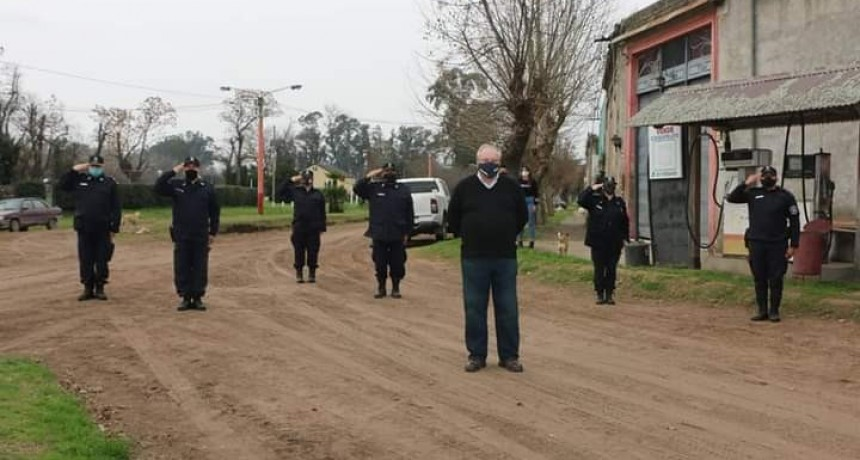 El intendente interino, José Luis Horna (Roque Pérez) encabezó el acto del 108° aniversario de la localidad de Carlos Beguerie