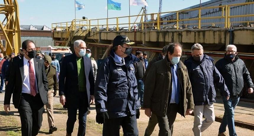 Cagliardi participó del acto encabezado por el ministro Rossi en el Astillero Río Santiago