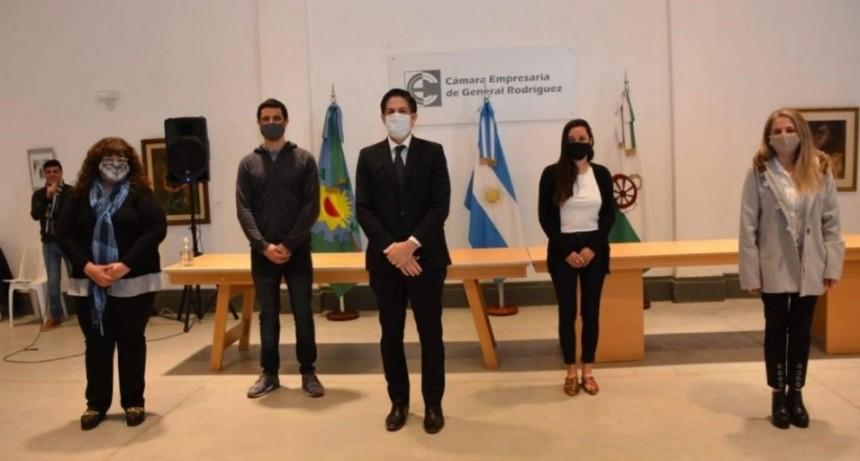 Gral. Rodríguez: Junto al Ministro Nicolás Trotta, el Intendente Mauro García entregó netbooks a estudiantes del distrito
