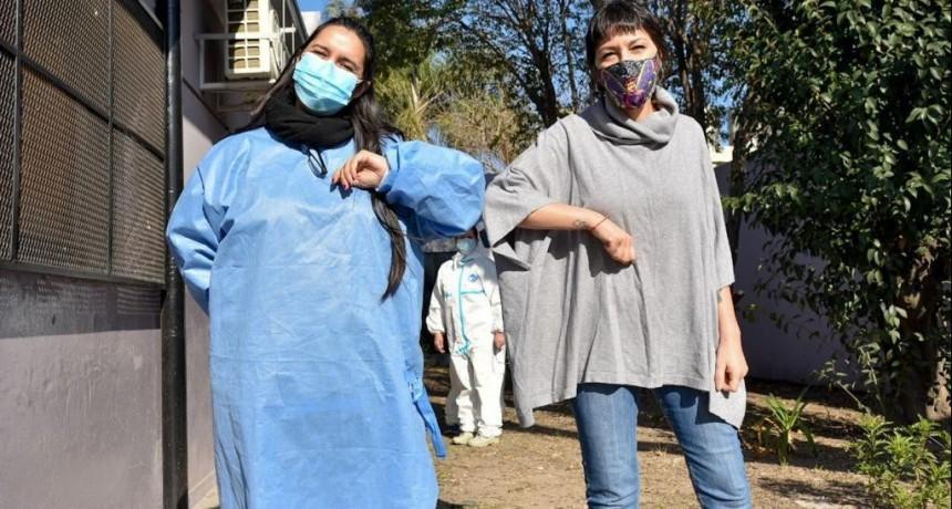 Mayra Mendoza encabezó un nuevo operativo de detección de casos de coronavirus en el barrio La Primavera