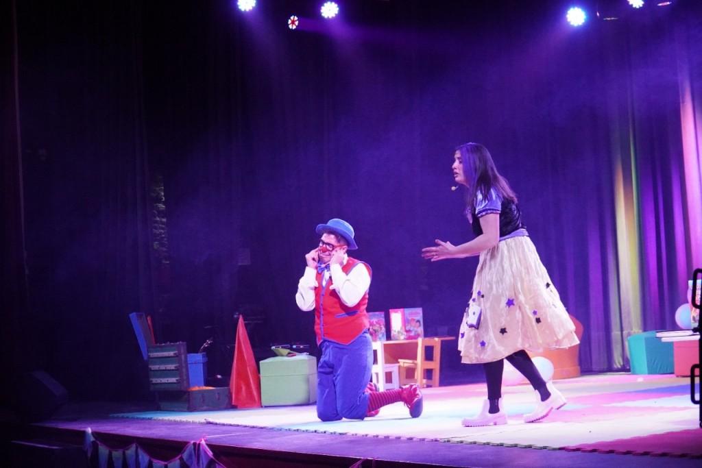 """Merlo:  El intendente estuvo presente en la obra teatral """"Cuento Con Vos"""""""