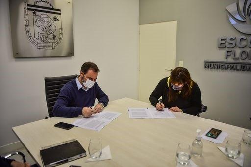 Escobar: Ariel Sujarchuk y Fernanda Miño firmaron un convenio para obras de infraestructura en el distrito