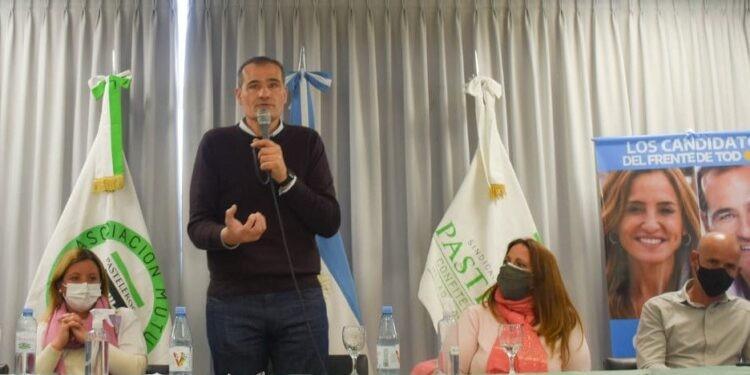 La Plata: Escudero presento su lista local por el FdT con el apoyo del sindicalismo