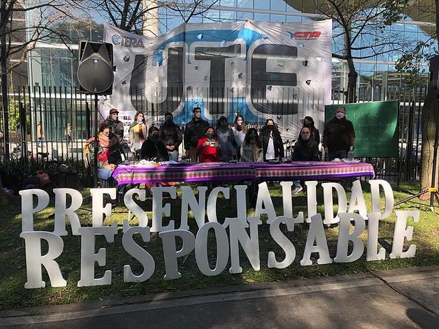 UTE: Clase Pública en defensa de una presencialidad responsable