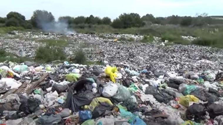 Productor familiar de Moreno, denuncia a las autoridades municipales por los basurales a cielo abierto en la zona agroecológica