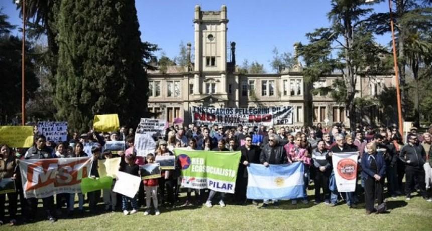 Pilar: La movilización popular logró suspender la entrega de 16 hectáreas del Pellegrini a la UAR